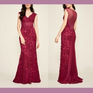 NEW Tadashi Shoji River Lace Embroidery Gown 16
